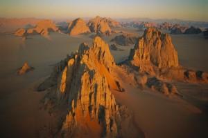 チャド、カーナサイ渓谷。リビアとの国境近く、ヌビア砂漠