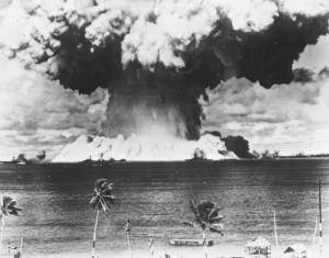 水爆実験01