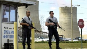 アメリカ、クリスタル・リバー原子力発電所の警備員
