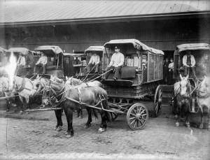アメリカ郵政の郵便馬車。1909年。