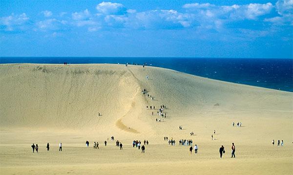 「鳥取砂丘」の画像検索結果
